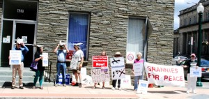 Early part of the SNP and Grannies vigil on June 6, 2014, photo by Mabel Leon