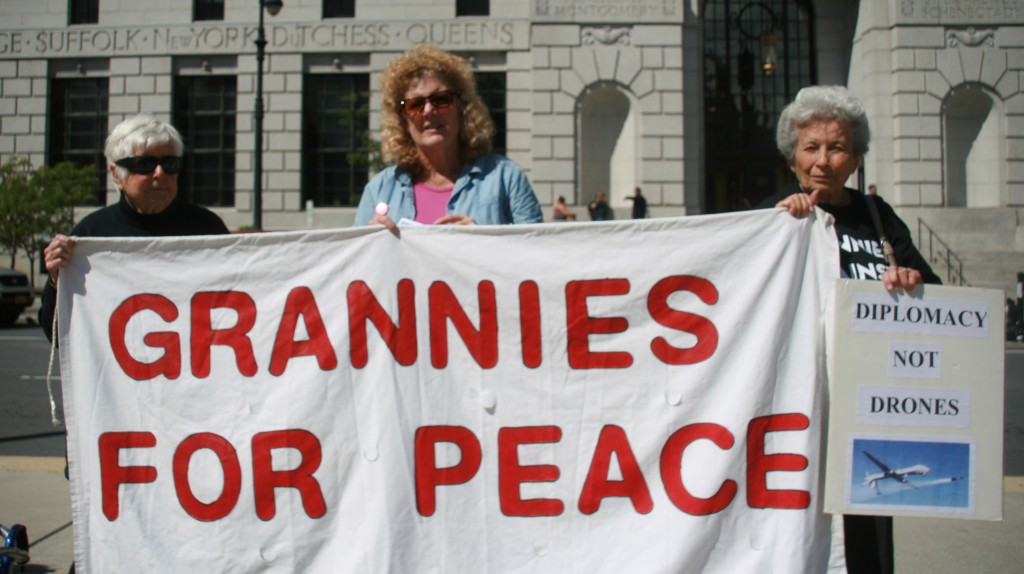 IMG_9461 (2) Grannies for Peace banner Sept. 17, 2014