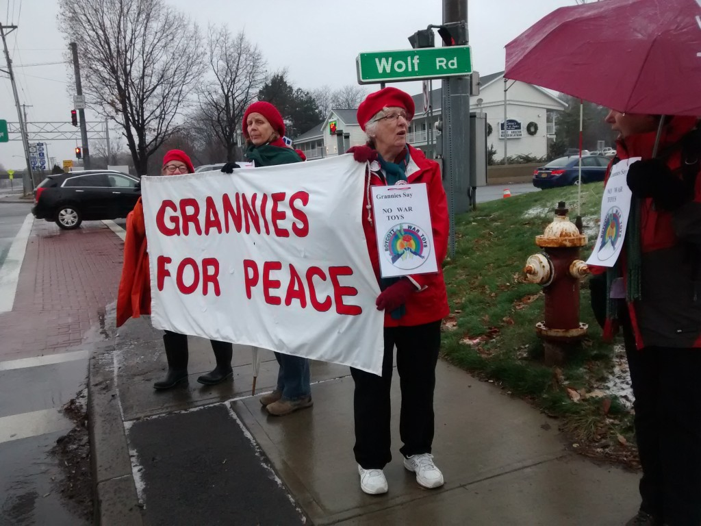 Grannies for peace banner (Kim there in spirit with Jackie,Janet and Dot, photo by Mark Klein