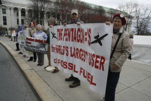 Pentagon, World's largest user of fossil fuel, Photo by Mabel Leon