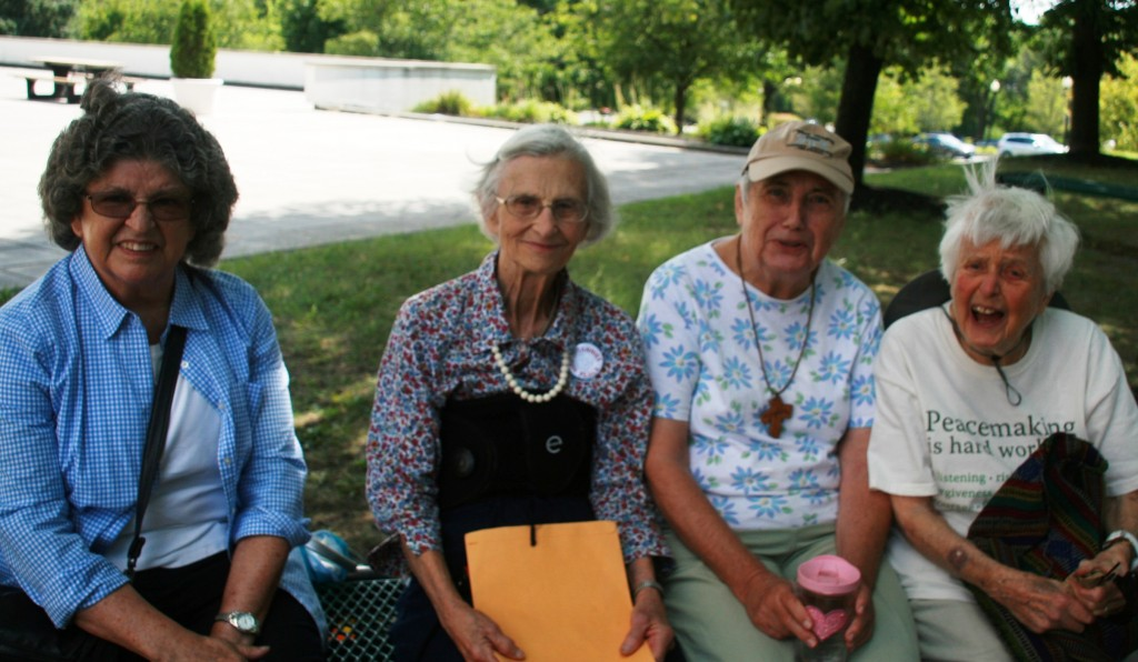 Four of the five civil resisters, Kate, sue, Fran and Pat, photo by Mabel Leon