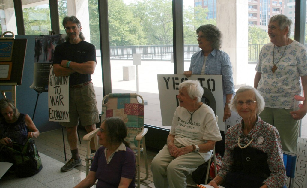 Early in the sit-in, Janet, Greg, Mickie, Pat, Sue, Kate and Fran, photo by Mabel Leon